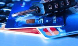 Мессенджеры названы одной из причин кражи денег с карт россиян